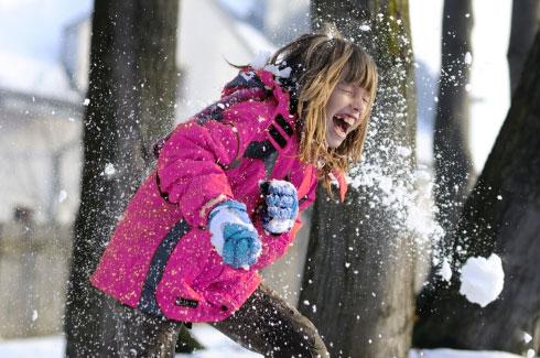 Картинки по запросу Поиграть с друзьями в снежки